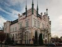 Сградата на банката PKO BP, построена на търна 19 и 20 век
