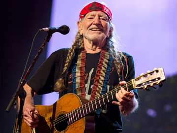 Willie Nelson - Country singer - Willie Nelson - Country singer