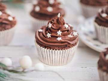 CHOCOLATE MUFFINS - Chocolate cupcakes - Fantasy for the winter
