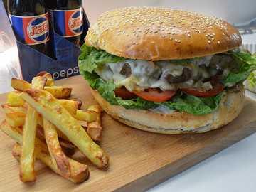 MEGA BURGER - Mega Beef Burger - wenn du es zu Hause schaffst, dein Arsch ja!