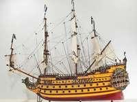 Nava de război - Navă de război cu barcă cu pânze
