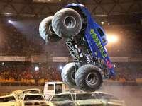 camion monstre - avoir une voiture godzilla