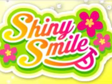 Shiny Smile 品牌 Logo - 靈感 源自 夏威夷 , 以 五顏六色 的 熱帶 水果 和 花朵 的 設計 , 激發 出