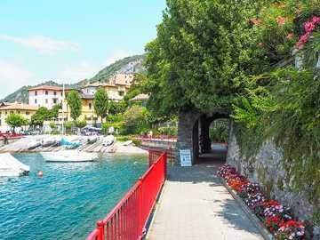 Jezioro Como. - Układanka krajobrazowa.