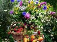 Květy. - Zahradní dekorace ..