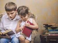 παιδιά που διαβάζουν - Αυτό το παζλ αντιπροσωπεύει το συμπλήρωμα των ανθρώπω�