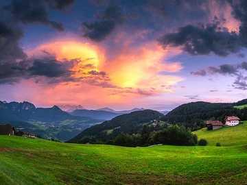 Casa en las montañas - Casa en las montañas en la tarde