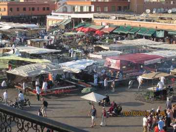 Aktywność rynkowa - Idąc na targ w Marakeszu