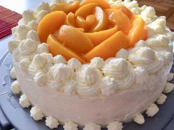 PYSZNY TORT - Prosty i pyszny tort brzoskwiniowy