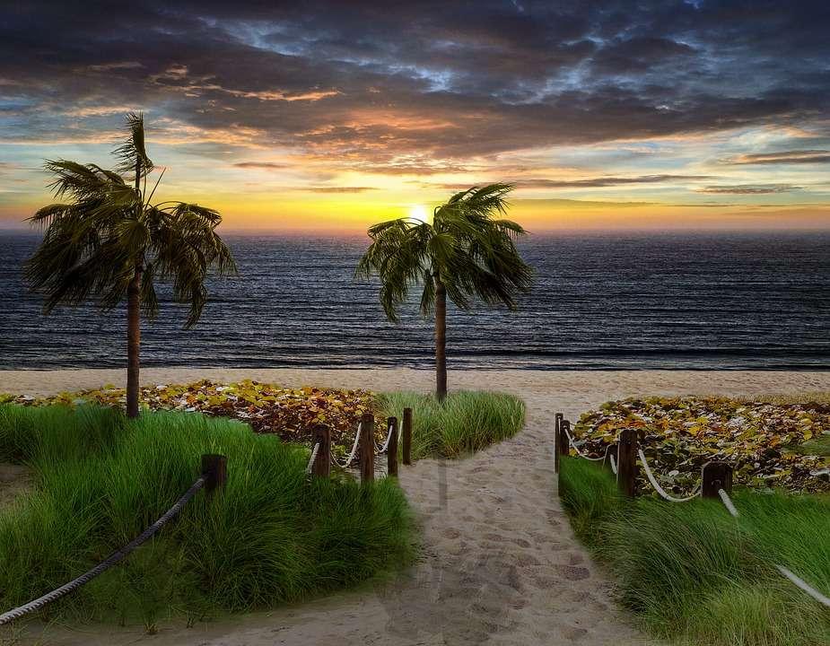 Widok morza - Zachód słońca nad morzem