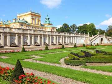 GIARDINO A WILANÓW - Palazzo a Wilanów e giardini dopo la ristrutturazione - costano 25 milioni di PLN ...