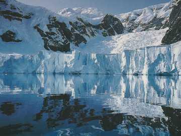 Paysage de glace en miroir - Paysage de glace en miroir