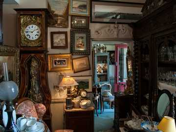 Antique shop - old things get a second life