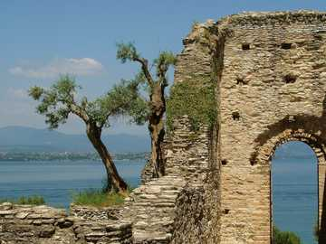 paesaggio - Italia - Rovine - Mare -----