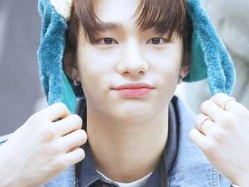 hyunjin cute - up 90 cm down 90 cm right 90 cm left 90 cm