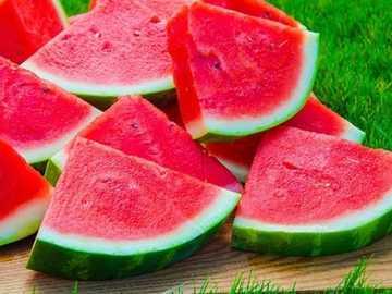 arbuz - słodkie owoce - arbuz - słodkie owoce - czerwone i soczyste