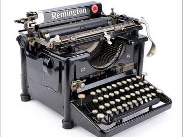 TYPEWRITER - OLD WRITING MACHINE