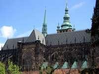 Прага, Чешка Република - Св. Вита - гледка от кралските градини.
