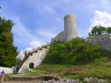 Ruines du château - Ruines du château, un voyage en été