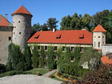 Zamek i obszar zamkowy - Zamek i obszar zamkowy