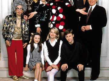 The Nanny - Die Nanny (Originaltitel: The Nanny) ist eine US-amerikanische Sitcom