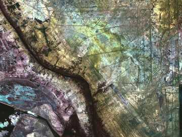pittura astratta verde e multicolore - In una zona a nord della città di Al-Basrah, in Iraq, che confina con l'Iran, un'ex zona