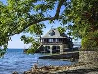 Ház a tenger mellett
