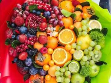 Buchet de vitamina - En aceasta imagine sânt representate o multitudine de vitamine