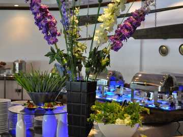 Restaurant buffet - Snacks, vase of flowers