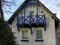 apró ház