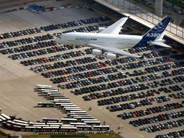 Airbus a380 - Přistání vzduchového autobusu