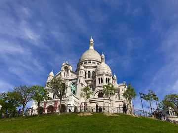 Sacre-Coeur Basilica - On the Montmartre hill in Paris, there is the Sacre-Coeur basilica