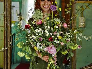"""I am giving you a bouquet of flowers as proof of my friendship - """"Even though you are not here with me, you can make happy with such a simple and kind gesture,"""