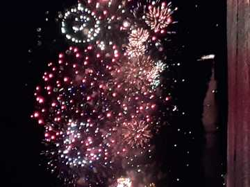Cap-d'Agde fireworks 2020 - The 2020 Cap-d'Agde fireworks seen from the port! Magnificent!