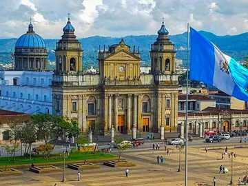 Katedra - Jest to katedra położona w mieście Gwatemala, stolicy Gwatemali.