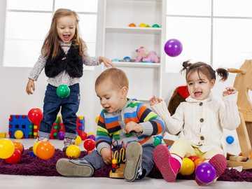 DESARROLLO COGNITIVO - El desarrollo cognitivo del niño es un proceso donde el niño va adquiriendo conocimiento de todo l