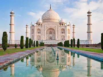 """El Taj Mahal - Taj Mahal quiere decir """"corona de los palacios"""" y es una de las siete maravillas del mundo"""