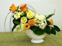 Aranjament de flori într-un ghiveci