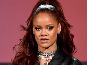 Rihanna ...... - Rihanna ......................