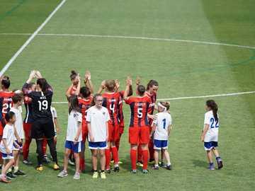 Intro de l'équipe - joueurs de football sur le terrain. Maryland SoccerPlex, Boyds, États-Unis