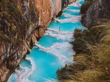 Millpu natürliche Pools - Die natürlichen Pools von Millpu sind vier Stunden von Ayacucho entfernt und bestehen aus etwa 20 P