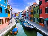 Olaszország..