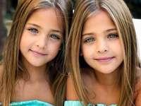 GEMELLI - I gemelli di 7 anni muovono i primi passi nella modellazione