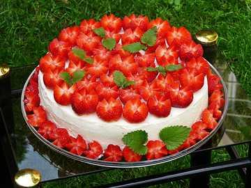 FRAISES SUR LE GÂTEAU - Gâteau tiramisu aux fraises