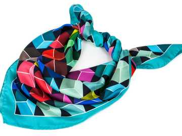 COLORFUL SCARF - Colorful silk scarf with a geometric pattern