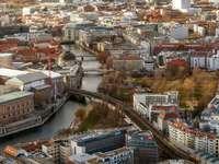 vue aérienne de la rivière