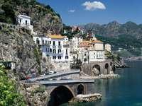 italië - de zee, bergen, gebouwen