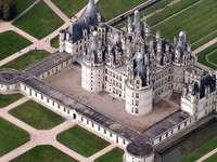 Замъкът Шамбор