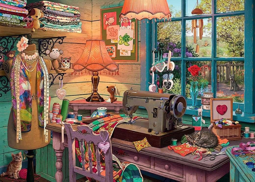 Chambre de couture - Le coin du tailleur. Salle de couture avec vue sur le green. Vue du coin du tailleur, fenêtre (15×11)