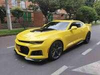 žluté auto - postavte toto žluté auto